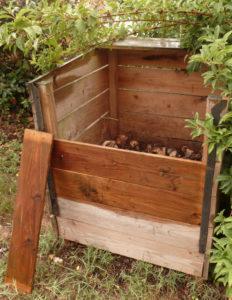 composteur en bois. Sud rRetz Atlantique-Formation compostage 2019.